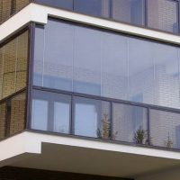 Нужно ли остеклять и утеплять балкон